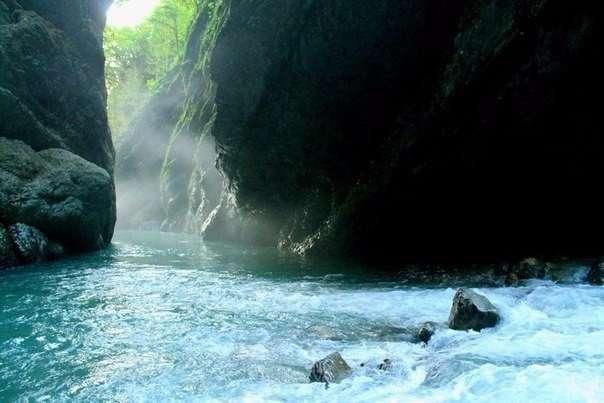 Аацынское ущелье